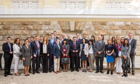 Group_Photo_Dubrovnik_Hsst_2014_Diplomati_450_x_269